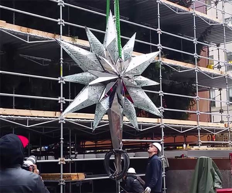 550-Pound Swarovski Treetopper Is the 'Star' of Rockefeller Center's Annual Celebration