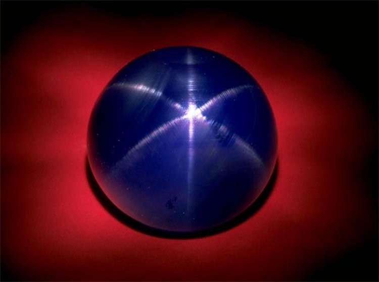330-Carat 'Star of Asia' Sapphire Is a Phenomenal Example of September's Official Birthstone