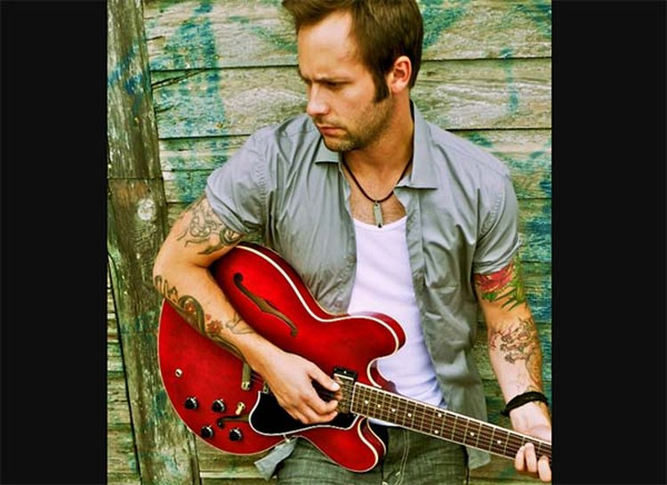 Music Friday: 'Loving You Is Like Finding a Diamond in a Rhinestone World,' Sings Dallas Smith